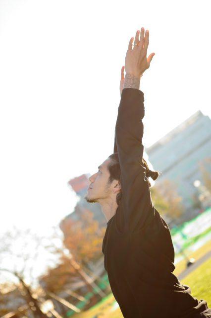ダンサーの為のYOGA 入門、初級  講師 PIRO(HIROKI)